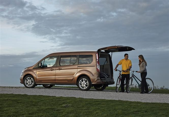 Ford Grand Tourneo Connect - The best cars for fishermen